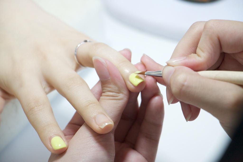 方圆形指甲 方形指甲修剪步骤